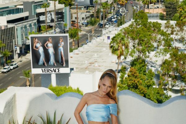 210806 0040 Emmys Versace Juno Temple 008